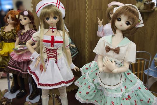 P1050898_dollshow33_edited-1.jpg