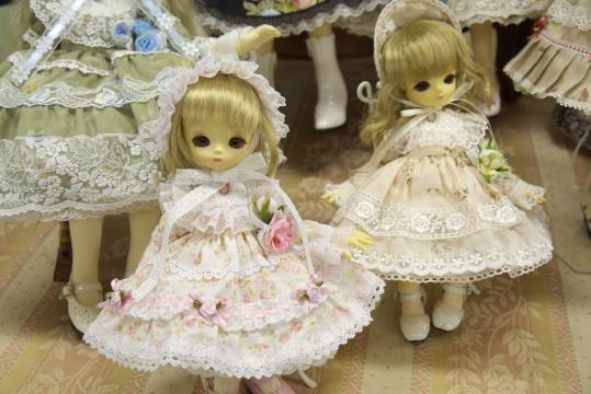 P1050986_dollshow33_edited-1.jpg