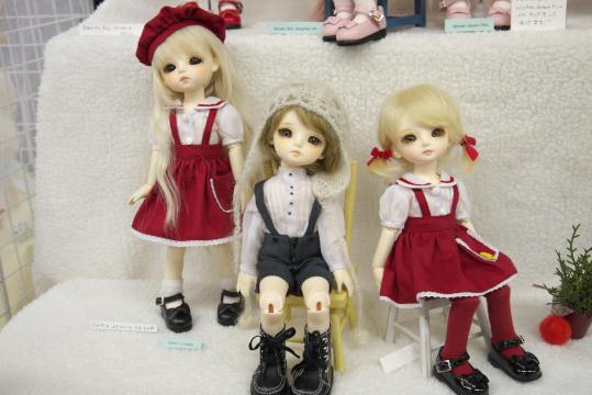 P1060019_dollshow33_edited-1.jpg