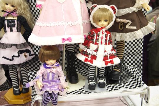 P1060094_dollshow33_edited-1.jpg