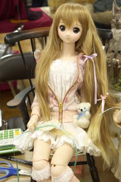 P1060143_dollshow33_2_edited-1.jpg