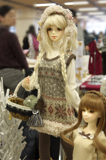 P1060145_dollshow33_edited-1.jpg
