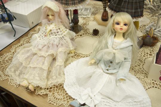 P1060147_dollshow33_edited-1.jpg