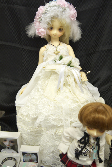 P1060177_dollshow33_edited-1.jpg