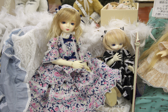 P1060181_dollshow33_edited-1.jpg