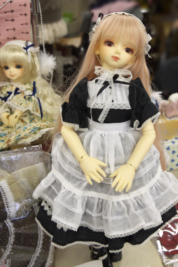 P1060187_dollshow33_edited-1.jpg