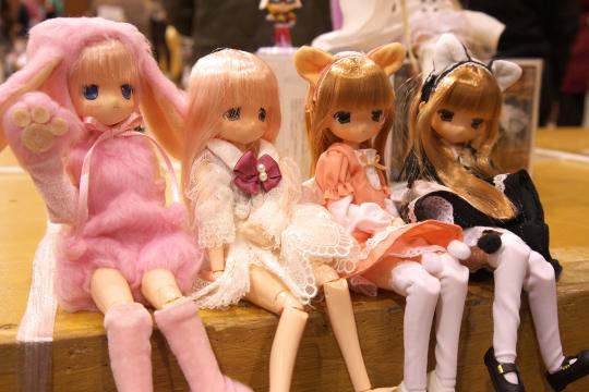 P1060258_dollshow33_edited-1.jpg
