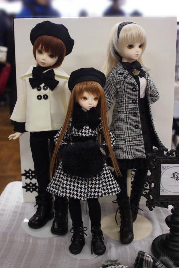 P1201935_dollshow36_edited-1.jpg