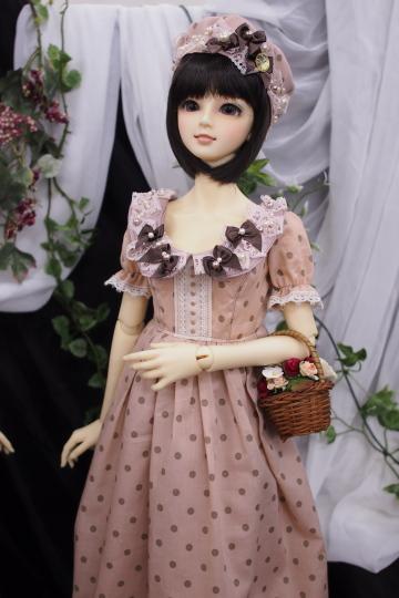 P2242815_dollshow_y.jpg